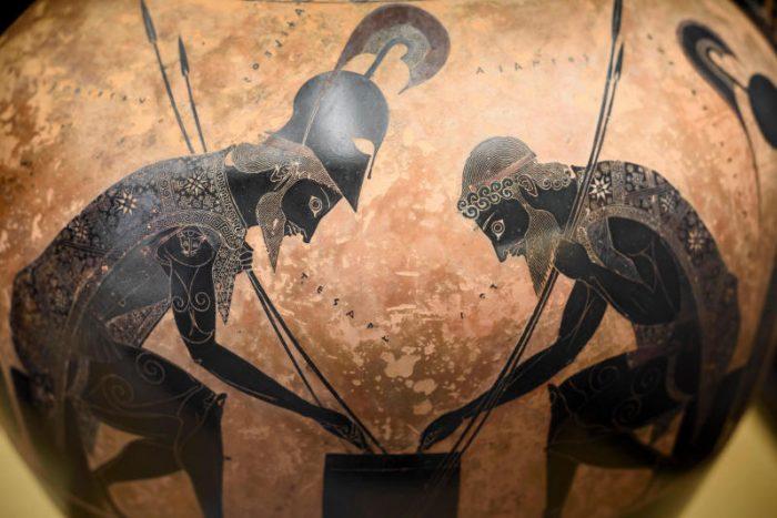 L'Iliade: l'antefatto e le vicende intorno a questo mito dell'antichità