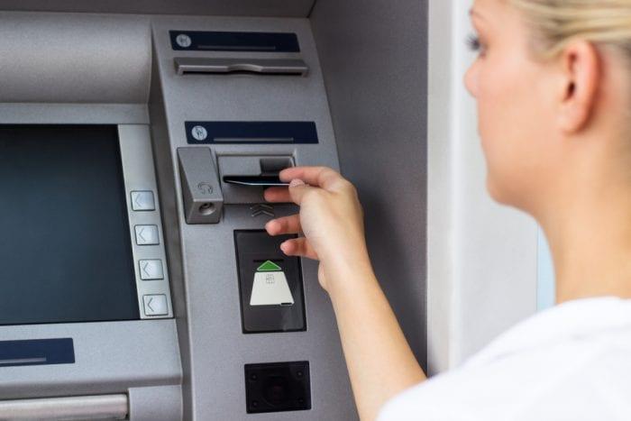 Cos'è un conto corrente bancario? Come funziona?