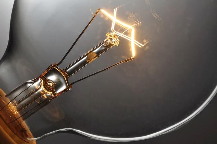 Chi ha inventato la lampadina?