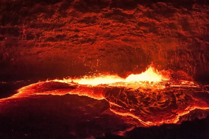 Che succede se mi tuffo nella lava?