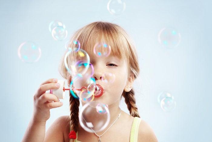 Come fare in casa bolle di sapone giganti e resistenti