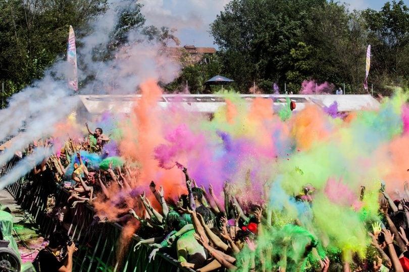 Holi dance festival: dieci tappe in giro per l'Italia