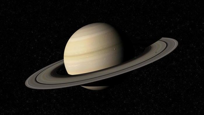 Il luminoso Saturno si prende il nostro cielo!