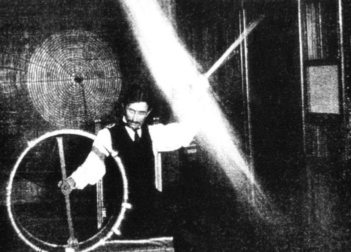 Nikola Tesla, il signore dell'elettricità!