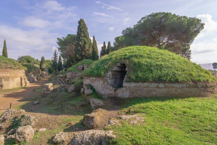 Etruschi: la necropoli