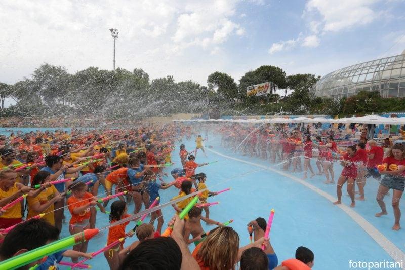 Record: la più grande battaglia di pistole ad acqua in Italia