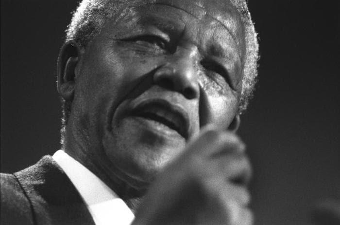 Nelson Mandela: la forza della libertà che sconfisse il razzismo