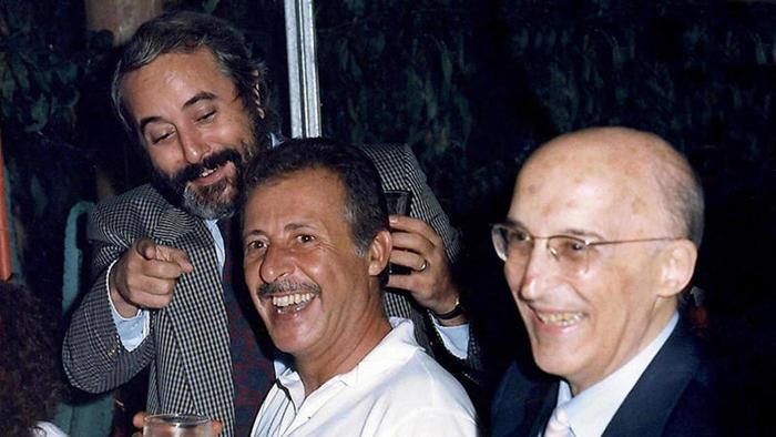 La strage di via D'Amelio: ricordiamo Paolo Borsellino e la sua vita di lotta alla mafia