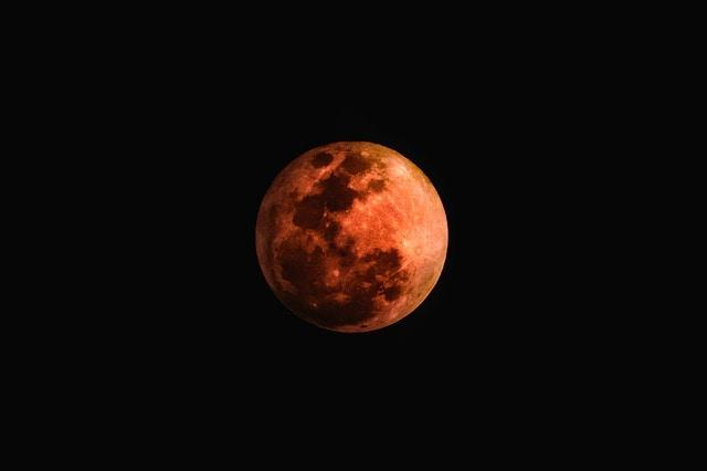 Cielo da record a luglio: eclissi di Luna, Marte luminosissimo