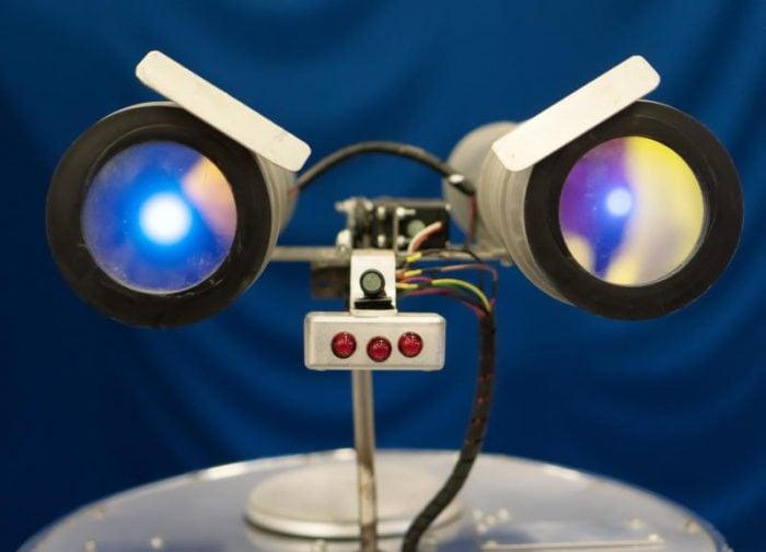 Il robot scontroso che aiuta a concentrarsi!
