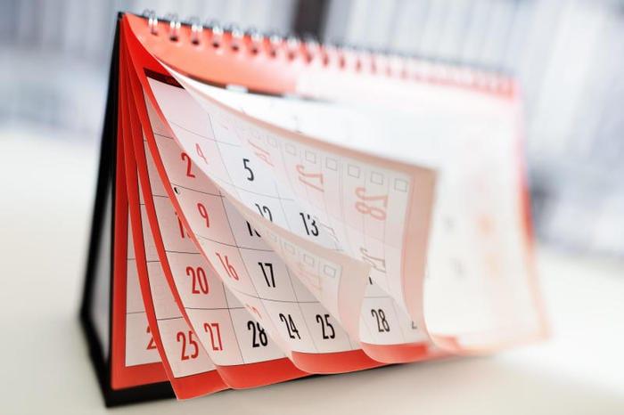I giorni della settimana si scrivono con la lettera maiuscola?
