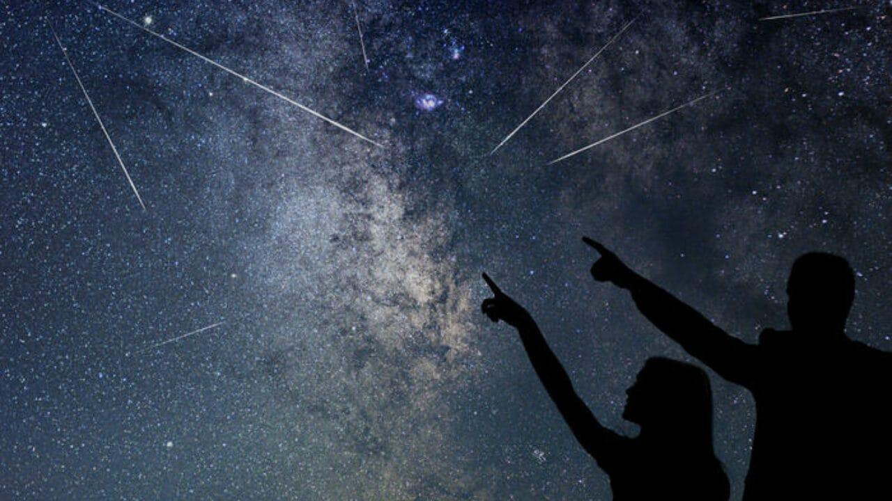 Stella Cadente Di Natale.Stelle Cadenti Dove E Come Guardare Nel Cielo Focus Junior