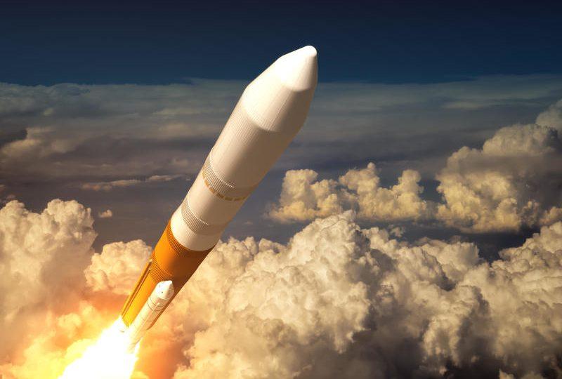 Viaggio verso la Luna: svelato il primo turista spaziale!