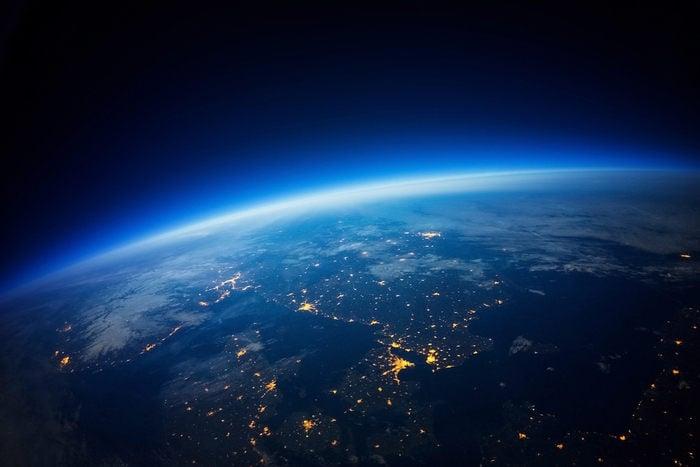 Quanto pesa l'atmosfera terrestre?