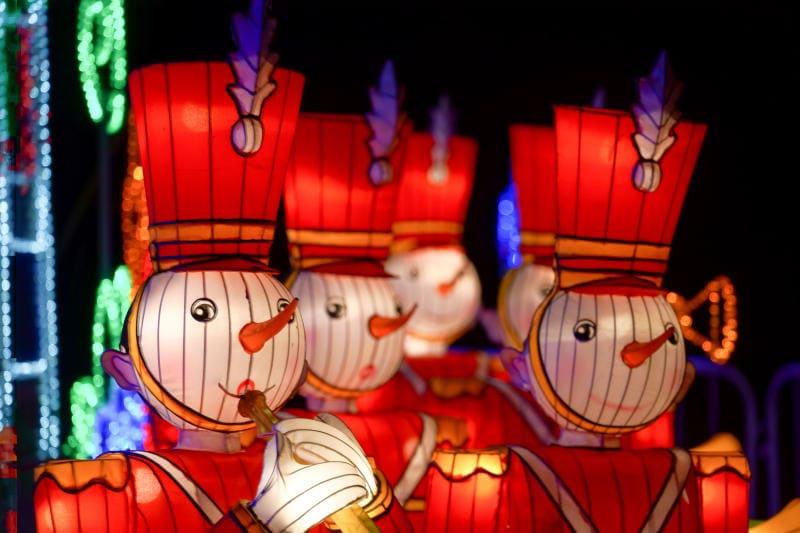 A Natale con luci e colori è di scena la magia