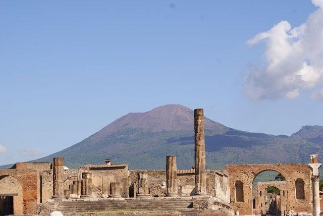 Leda e il cigno: un nuovo bellissimo affresco scoperto a Pompei