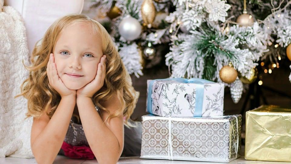 Babbo Natale E San Nicola.Perche San Nicola Il 6 Dicembre Porta Le Mele Focus Junior