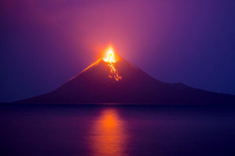 """Indonesia: a provocare lo tsunami è stato un """"nuovo"""" vulcano"""