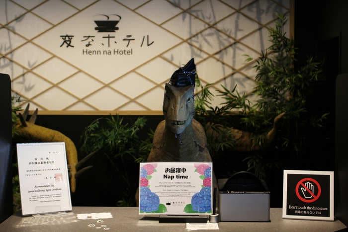 Giappone: l'hotel dei robot licenzia più di 100 automi