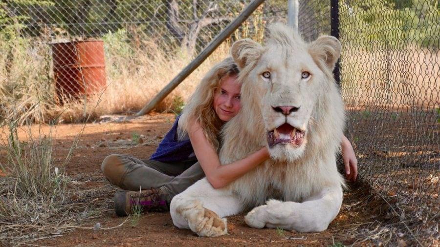 Mia e il leone bianco: una storia di amicizia e un messaggio di difesa del pianeta