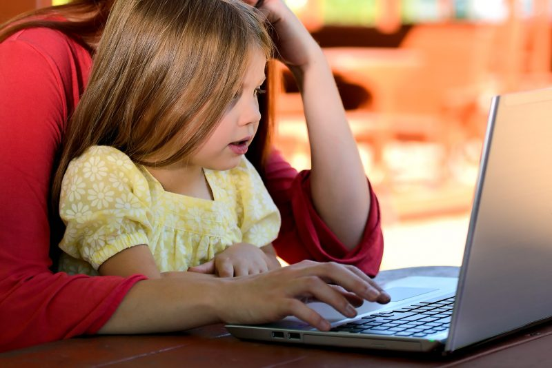 Sette regole per proteggersi dai pericoli sul web