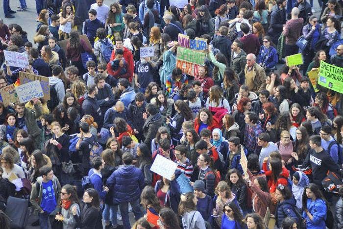 Sciopero mondiale per il clima: i giovani in piazza per salvare il loro futuro