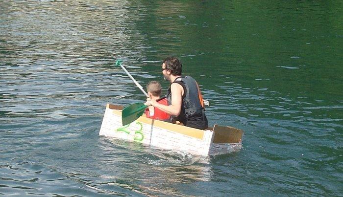 Soap Kayak Race: la gara con le canoe di cartone apre ai più giovani!