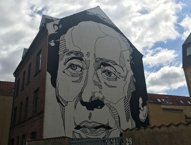 """H.C.Andersen: 10 curiosità sul """"papà"""" della Sirenetta"""