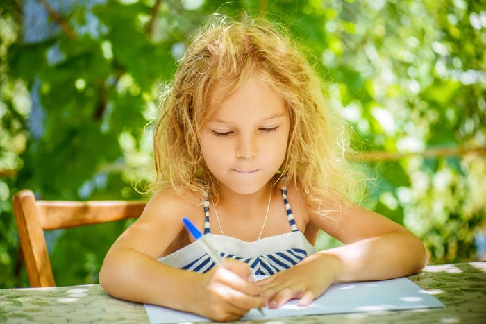 Compiti per le vacanze 2019: i titoli per i libri estivi
