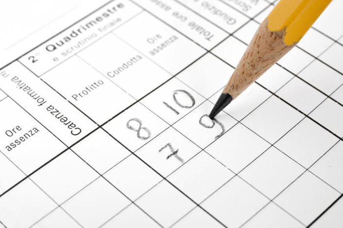 L'utilità della pagella: tra valutazione, giudizi e competenze