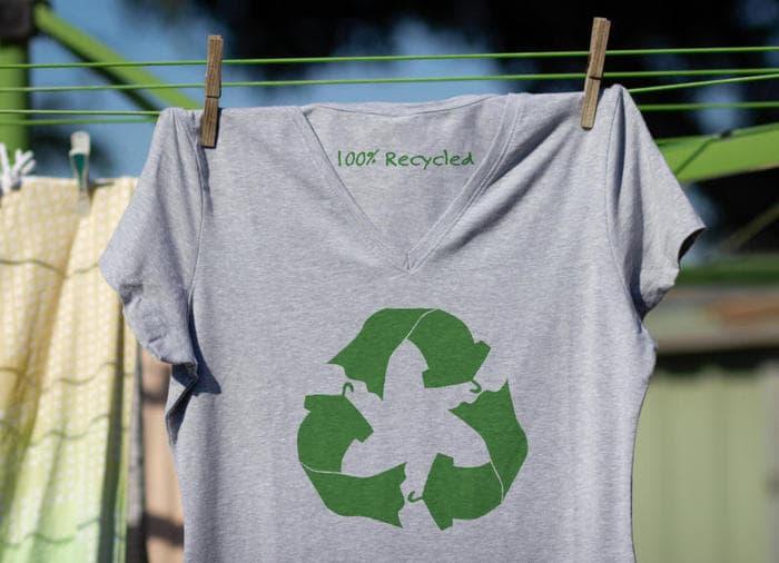 RiciclAbiti, i vestiti ecologici con materiali di recupero