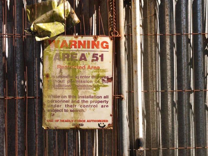Perché un milione di persone vuole invadere l'Area 51?