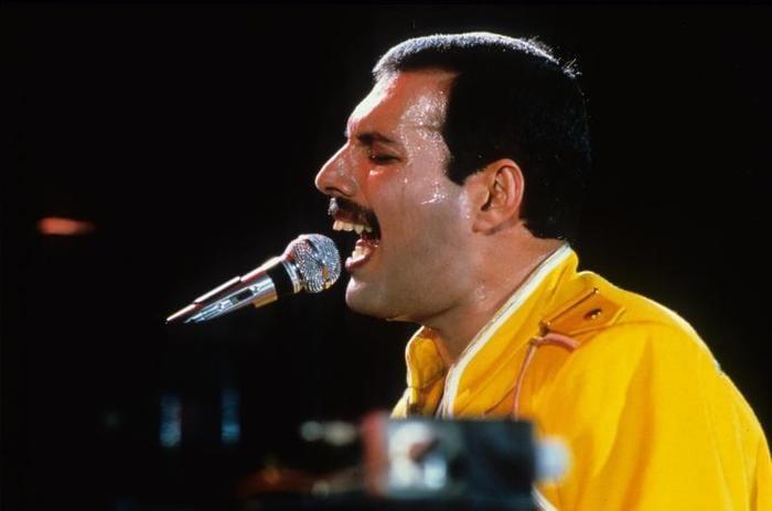 A lezione d'inglese con Freddie Mercury