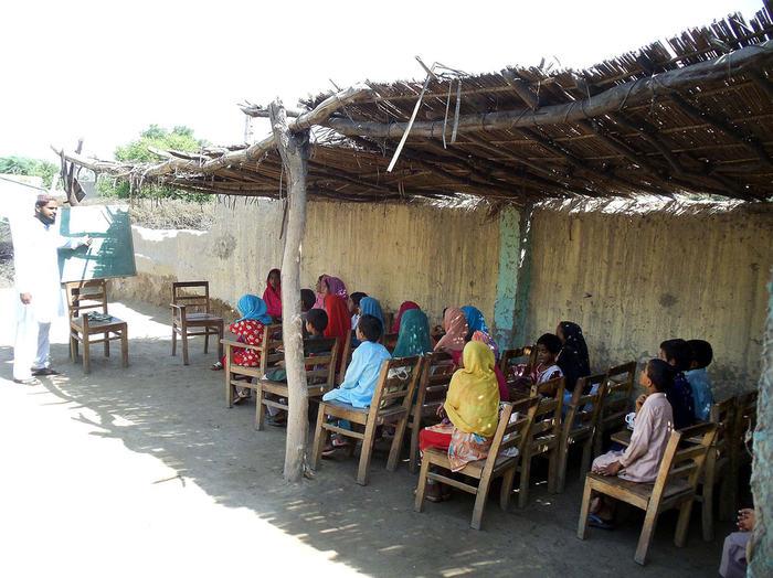 Pakistan: la scuola clandestina