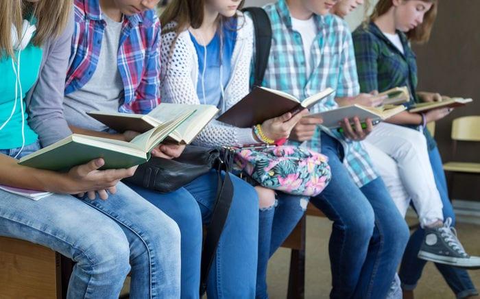 Poesia a scuola: stringhe di parole allacciate, slacciate e sciolte