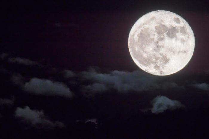 Luna, pianeti e stelle cadenti: che spettacolo il cielo d'ottobre