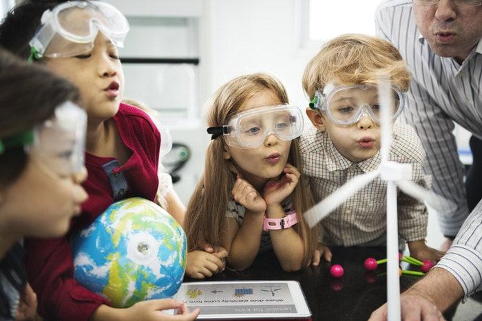 Nuove tecnologie a scuola per fare esperienze con il metodo scientifico