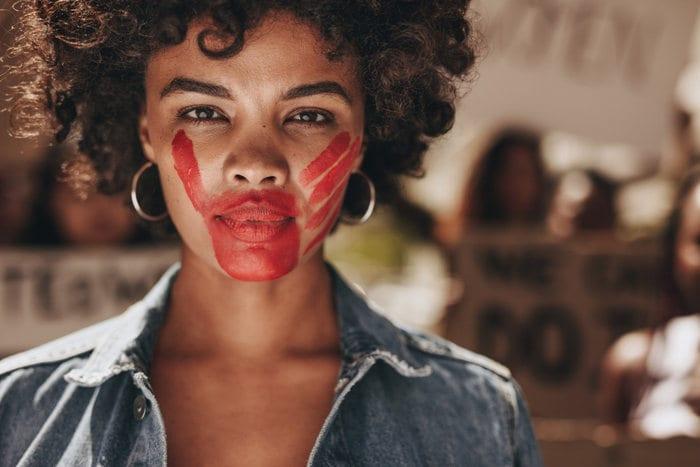 Giornata internazionale per l'eliminazione della violenza sulle donne: perché si celebra il 25 novembre?