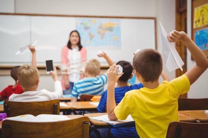Caos in aula: perché si crea e come gestire una classe difficile