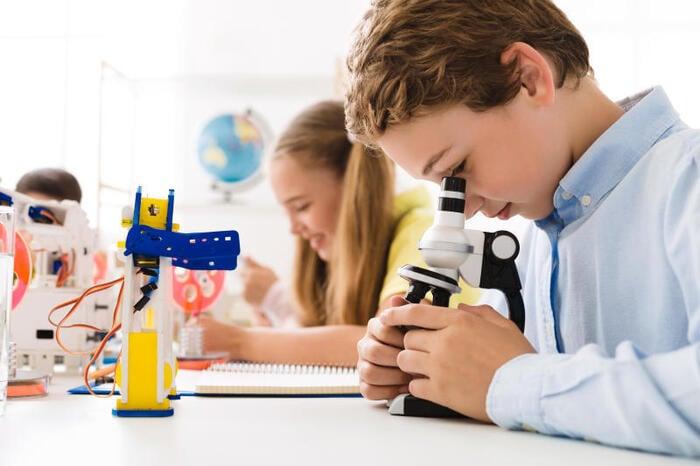 Scuola e tecnologia: mettersi in gioco con la robotica