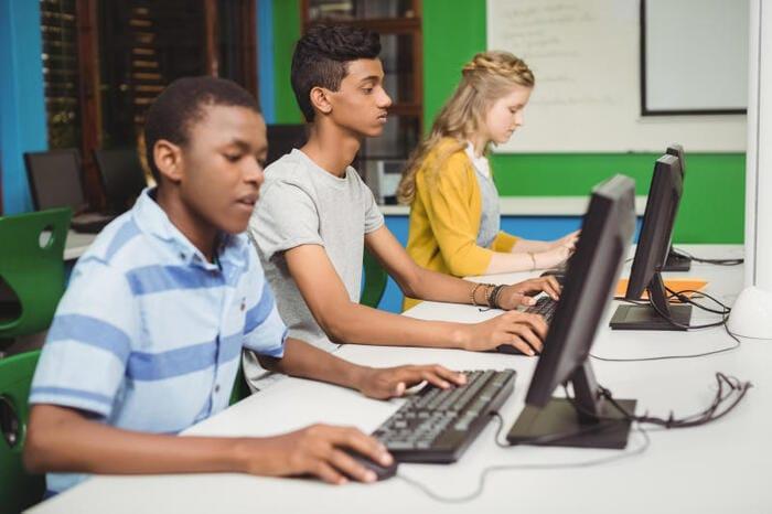 Scuola e tecnologia: come fare se a scuola si è senza Internet