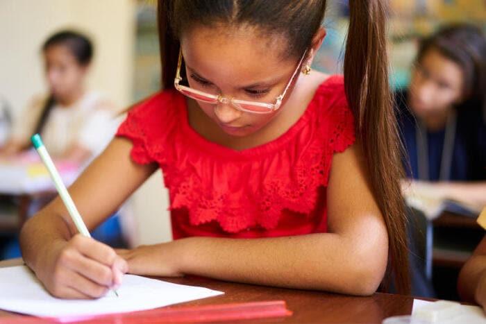 Scuola in quarantena: che succede all'esame di terza media?