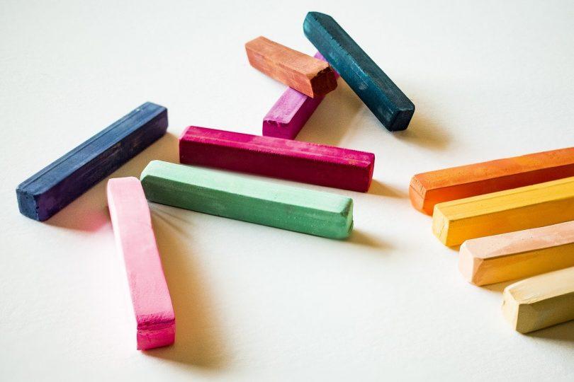 Come fare i gessetti colorati e profumati
