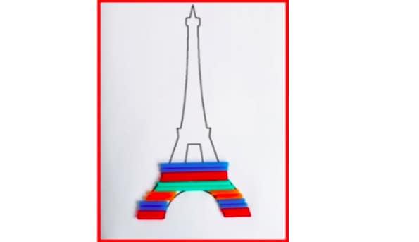 Tour Eiffel di cannucce