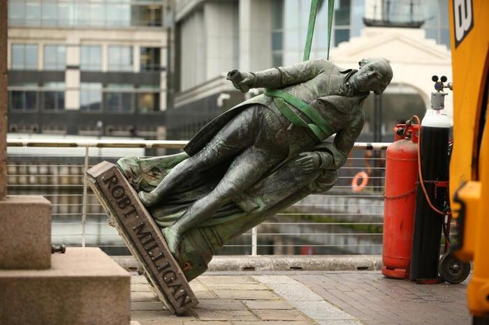 Razzismo: perché il movimento Black Lives Matter se la prende con le statue?