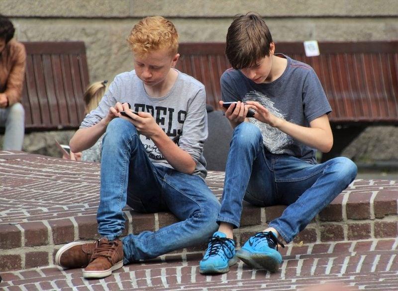 Giochi da fare al telefono con gli amici