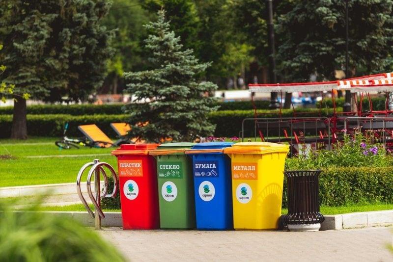Trash: una clip dal film e curiosità sulla plastica