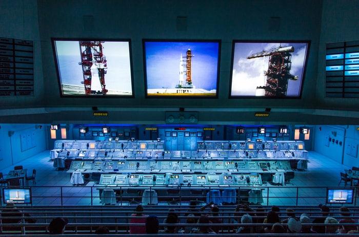 A scuola di missioni spaziali: centri di controllo satellitari