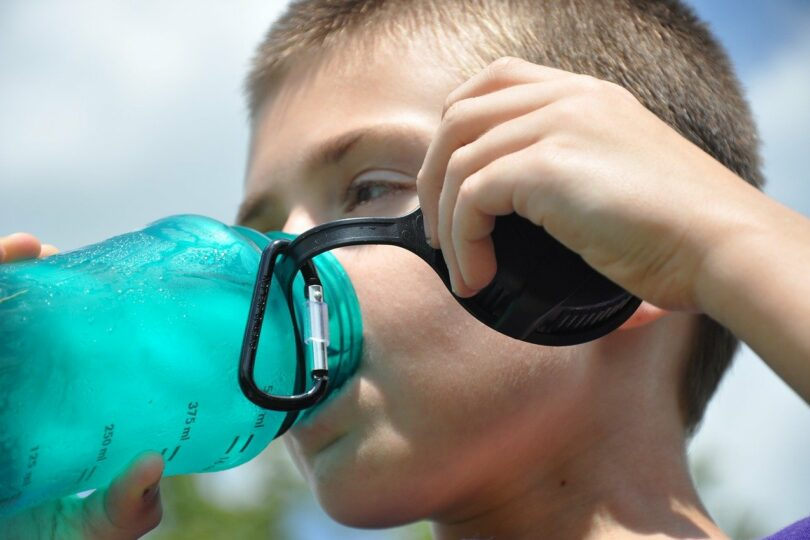 Quanta acqua consumiamo mangiando?