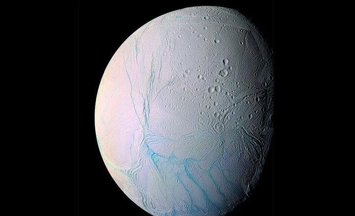 Mari spaziali: come sono gli oceani sugli altri pianeti?